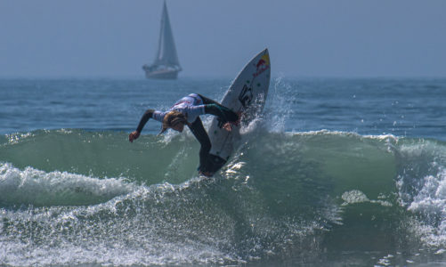 Super Girl surfers compete in Oceanside